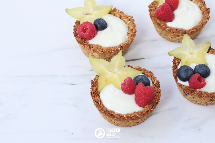granola-cups-with-yogurt
